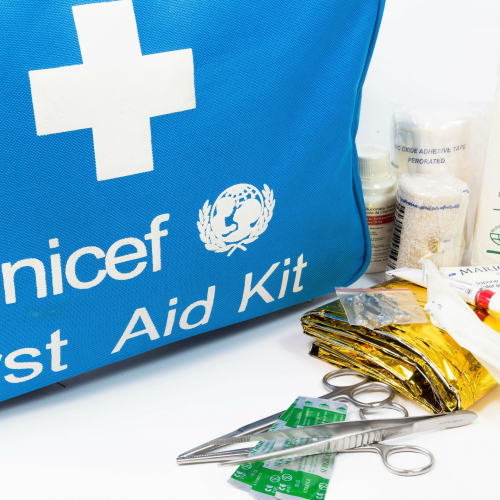 First aid can make a real difference. You offer medication and a first aid kit for children and their families. Your impact? With your gift the communities affected by a disaster will be supplied with basic medication and elemental medical equipment.